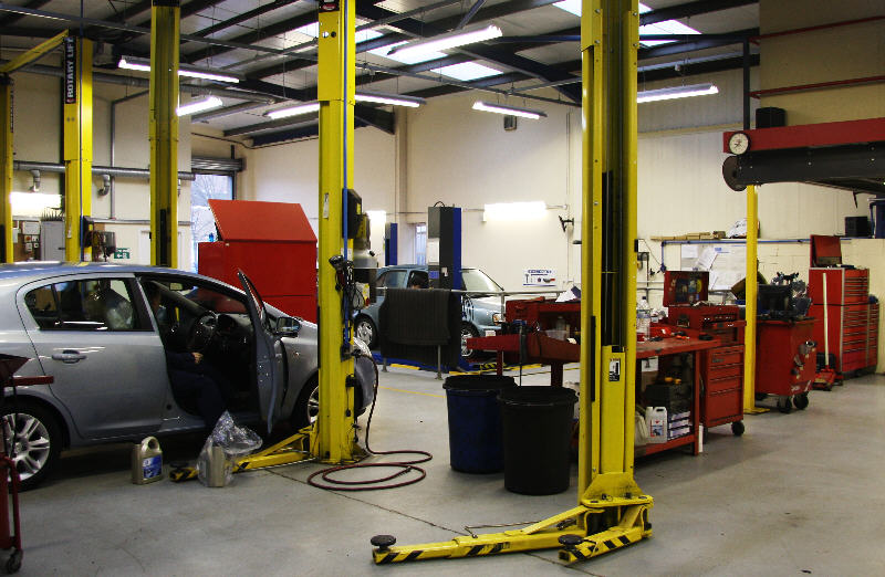 Auto Assistance Workshop Service